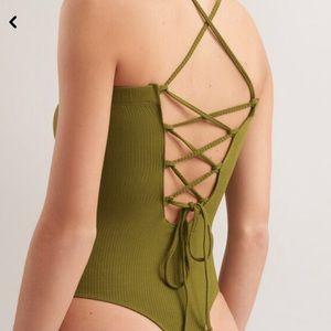 🌿3/$20 | GARAGE | Caged back bodysuit